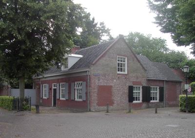 Huys en Hoff Aen Den Haspel in 2003 na de renovatie van het huidige woonhuis.