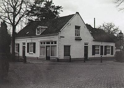 Huys en Hoff Aen Den Haspel tussen 1971 en 2001.