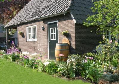Janske's Bloemenstek vanaf de tuin gezien.
